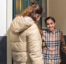 Mentor bezoekt leerling aan huis
